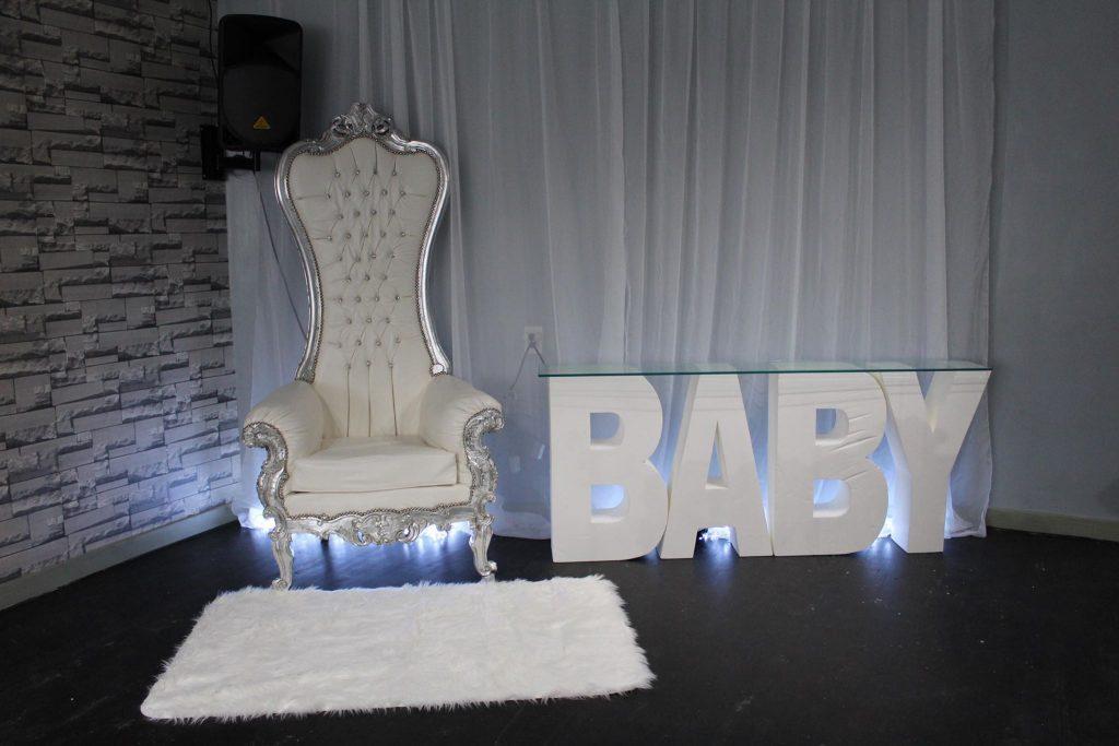 Advantages Of Choosing A White Throne Chair Sitting Royal